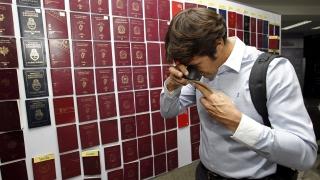 В Тайланд разбиха мрежа, изпращала фалшиви паспорти на мигранти за Европа