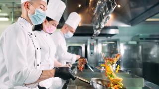 Германия отчаяно търси над 17 000 готвачи. Но какви са заплатите?