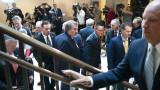 """Хаос в Конгреса на САЩ след """"щурм"""" на републиканци на изслушване за импийчмънта"""