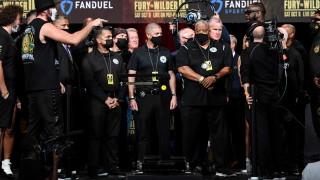 Тайсън Фюри е със 17,7 кг. по-тежък от Уайлдър преди последния мач от тяхната трилогия
