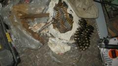 Униформени откриха боен арсенал в частен дом