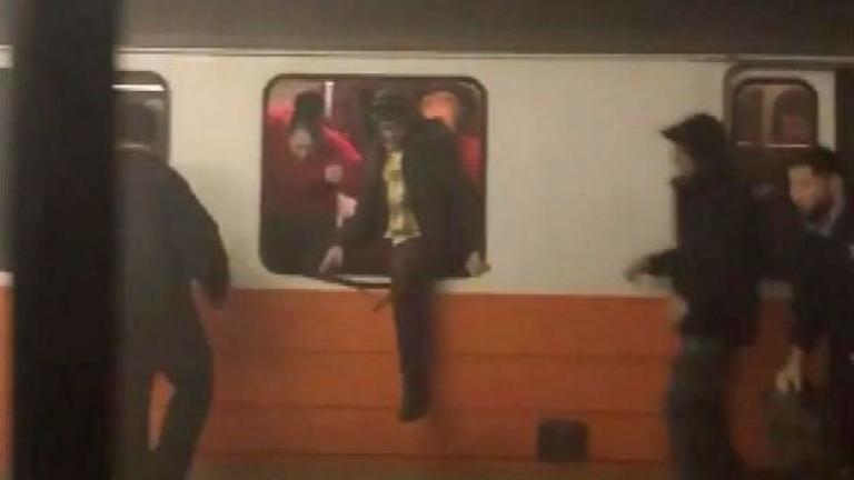 Вагон от метрото в Бостън дерайлирала вчера сутринта. Най-малко девет