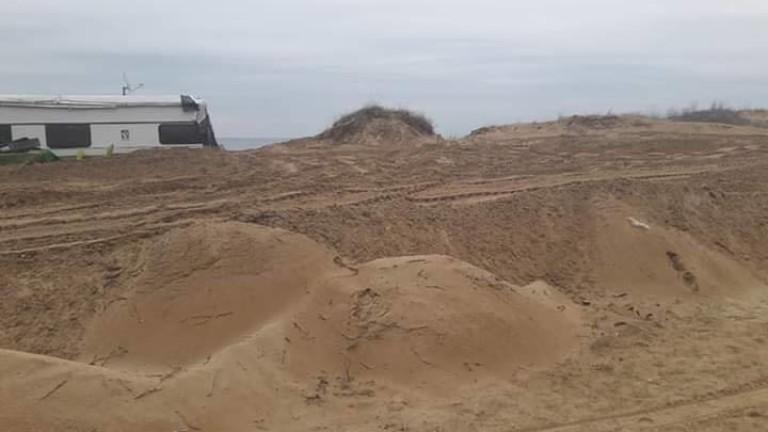 Държавата да си върне контрола върху дюните, искат природозащитници