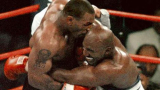 Тайсън и Холифийлд се бият в Москва