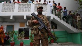 Десетки избити и ранени при експлозия в Пакистан