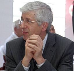 Румен Овчаров говори в Париж за конкурентността на икономиката ни