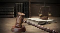 Мъжът, издирван за изнасилване, се предаде в полицията в Казанлък