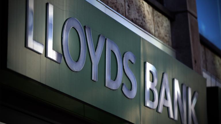 Lloyds Banking Group изкупува ипотечният портфейл на Tesco. Ходът на