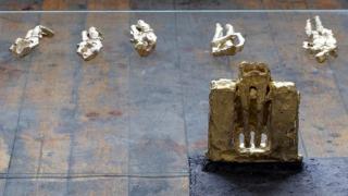 Кирил Кузманов дебютира като скулптор
