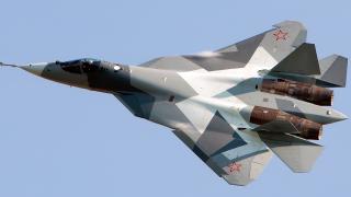 Русия започва серийното производство на новия изтребител Т-50 (ВИДЕО)