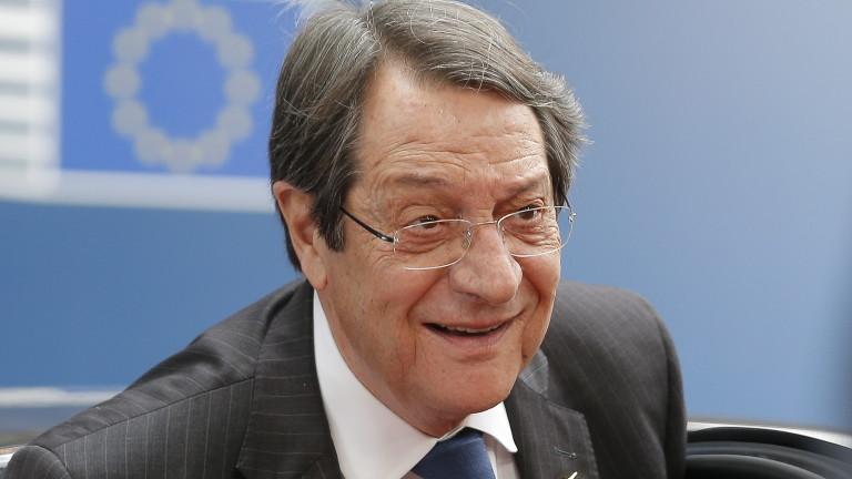 Оперираха по спешност президента на Кипър