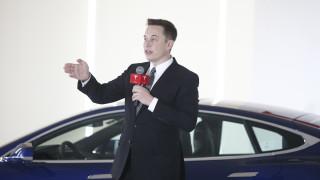 Защо Илон Мъск се заяде с Porsche и новия Taycan