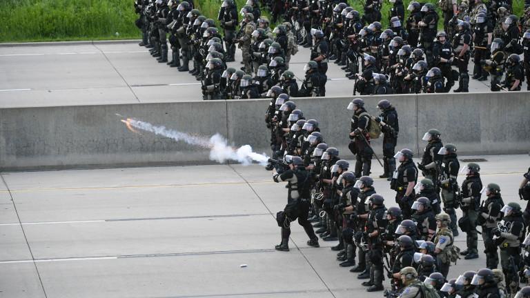 САЩ са обхванати от най-големите граждански протести и бунтове от