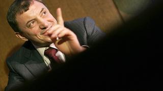 Ал. Петров изпраща на главния прокурор версия за взривовете