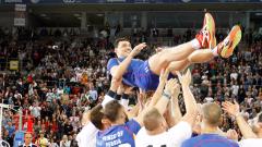 С емоционално шоу Владо Николов се сбогува с волейбола