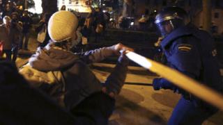 Хиляден протест в Мадрид завърши със сблъсъци между демонстранти и полиция