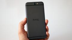 Закъсалата HTC си търси купувач