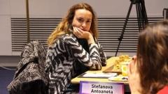 Стефанова остава със скромен актив