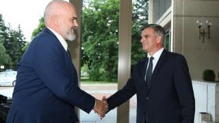 Отстояваме рамковата позиция по РС Македония, увери Стефан Янев