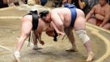 Аоияма със седма загуба на Големия есенен турнир в Токио