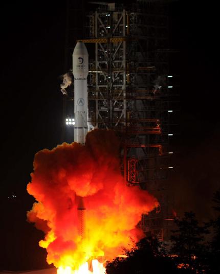 Китай изпрати сонда до орбита на Луната