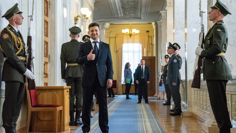 Украйна може да проведе предсрочни парламентарни избори на 21 юли,