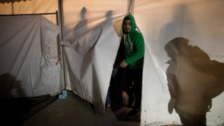 Арестуваха българин в Атина за трафик на хора