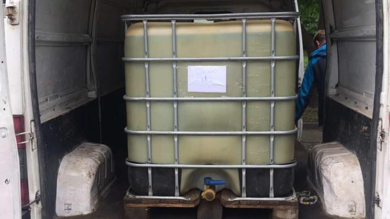 Хванаха 2 тона нелегално гориво, предназначено за плавателни съдове