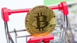 """Защо bitcoin не падна до 0, а вече """"чука на вратата"""" на границата от $10 000"""
