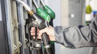 Бутилки за пропан-бутан без документи откриха в бургаски бензиностанции