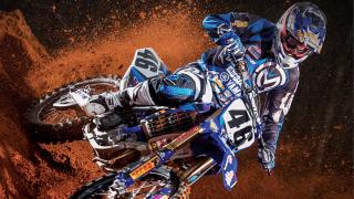 """Над 3200 тона пръст заради състезанието с мотори """"SUPERCROSS SOFIA 2"""" в Арена Армеец"""