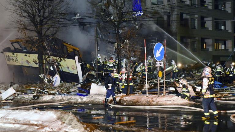 Полицията и пожарната служба се опитват да установят причината за