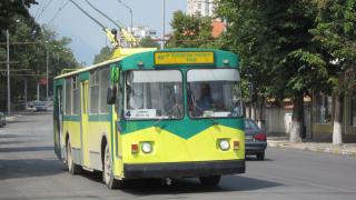 """В Русе сменят 30-годишни тролеи с """"нови"""" возила на старо"""