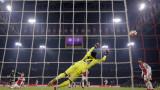 Аякс загуби от Реал с 1:2 в скандалния дебют на ВАР в ШЛ
