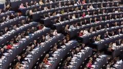 Глобално решение на кризата с миграцията поиска ЕП