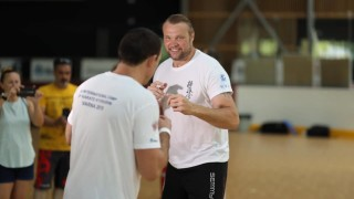 За трета поредна събота: SENSHI дава шанс на феновете на бойните спортове да тренират със Семи Шилт