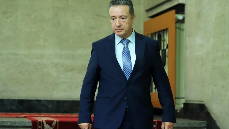 Стоилов чака в този служебен мандат отговор от КС за главния прокурор