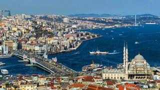 Властите в Истанбул дават храна срещу смет