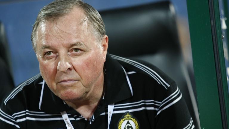 Бившият треньор на Славия Александър Тарханов застана начело на арменския