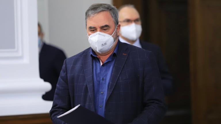 Ангел Кунчев към гражданите: Стиснете зъби още малко
