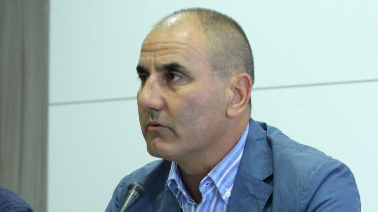 Цветанов се надява Валентин Радев да не подава оставка