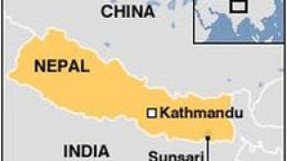 Лодка с 50 души на борда се преобърна в Непал