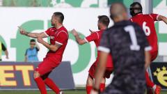 Валери Божинов се завърна в Първа лига със стил, Витоша и Ботев (Вр) не се победиха