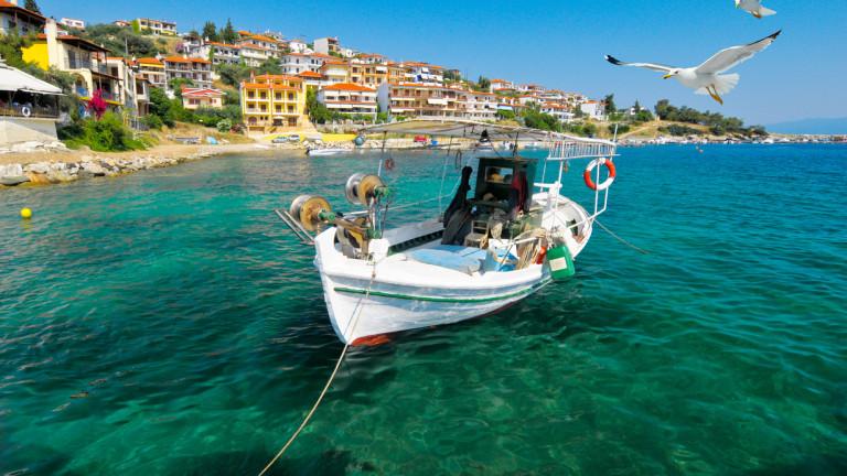 Гърция е пред нов колапс, след като епидемията погуби туризма