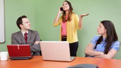 Нещата, които ще ви направят да изглеждате груби на интервю за работа