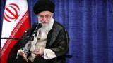 """Лидерът на Иран призова армията да увеличи силата си, за да """"изплаши"""" врага"""