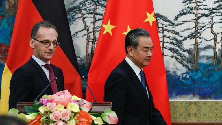 Китай каза на света да не вярва на клюки и слухове за Синдзян