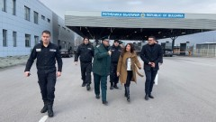 Посланичката на САЩ посети южната ни граница