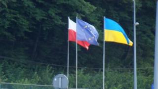 """""""Отнасят се като с добитък"""": украинка разказа за условията на работа в Полша"""