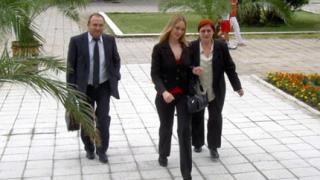 """""""Бедна"""" съдийка брани докрай имота си в Приморско"""